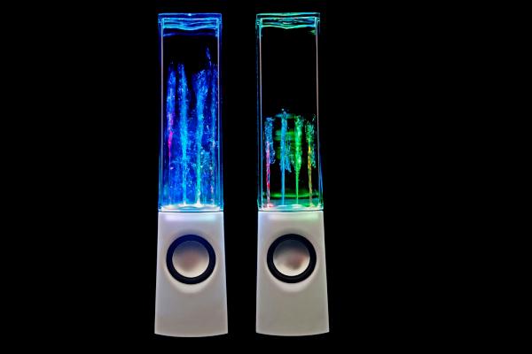 Оригинальная визуализация музыки в колонках Water Dancing Speakers