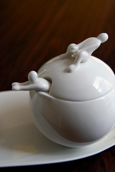 Чайный сервиз для *белых людей* White People Coffee and Tea Set