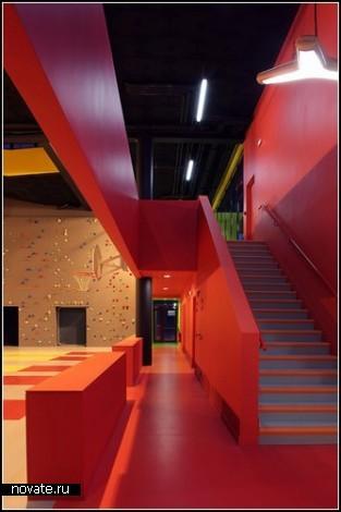 Молодежный спортивно-развлекательный комплекс от KOZ Architectes
