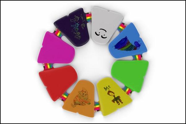 Можно объединить до восьми планшетов Adoodle Creativity Enhancer в один творческий *круг*