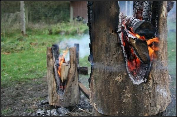 Нарочно сожженная мебель Ausgebrannt