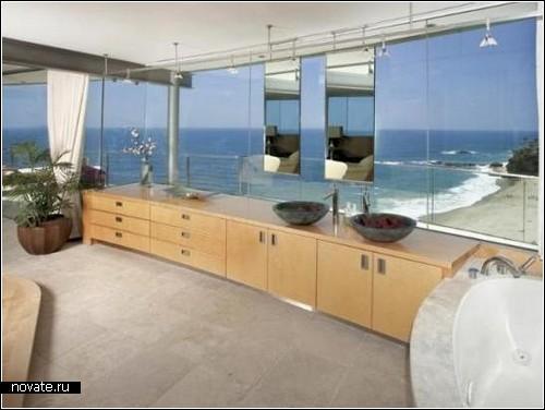 Пляжный дом Dream Home с панорамным окном-стеной