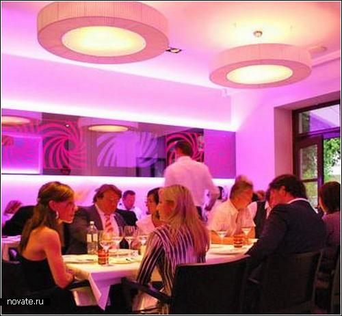 Что же, кроме богатого меню, необходимо Вашему ресторану? Естественно, мебель для ресторана!