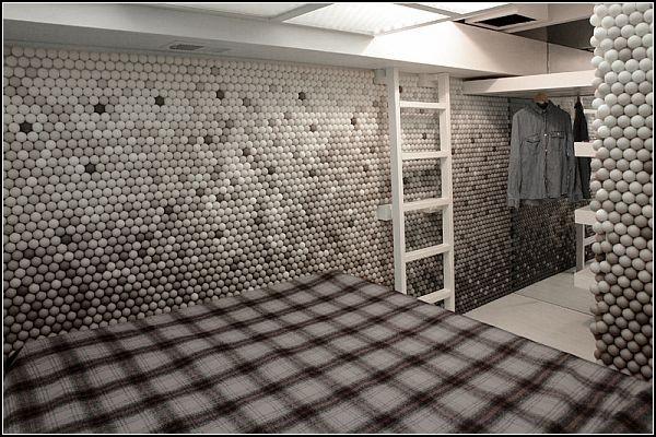 Комната из 25.000 мячиков для пинг-понга
