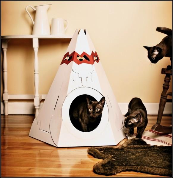 Это может быть дом как для целой кошачьей семьи...