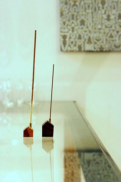 Домик с дымоходом для благовоний. Проект Chimney House от design office A4