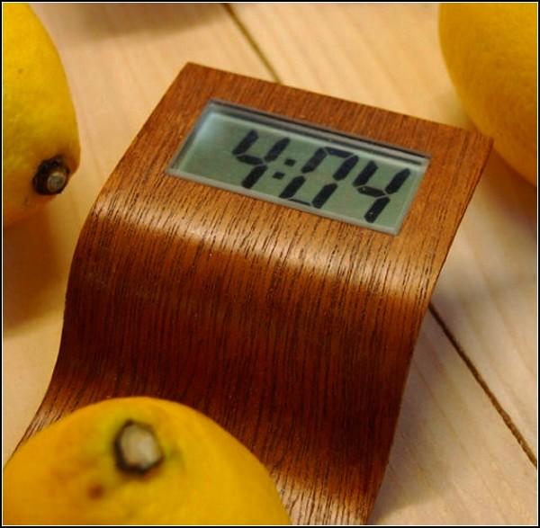 Оригинальные часы Citrus Clock, которые работают на энергии цитрусов