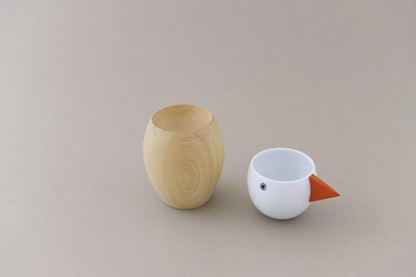 Керамическая чашка на деревянной подставке. Птичка Cooffee от  Mina Perhonen