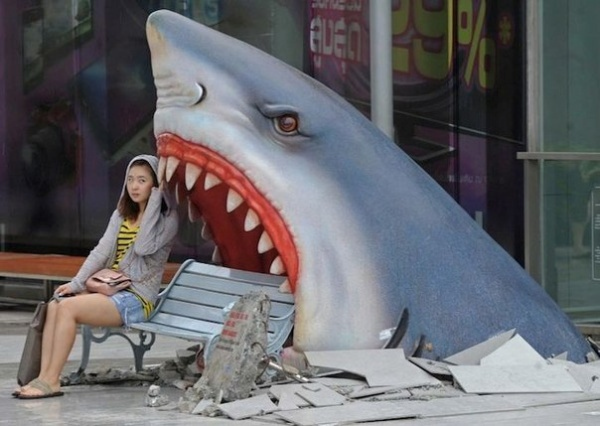 Shark Bench в ТЦ Бангкока