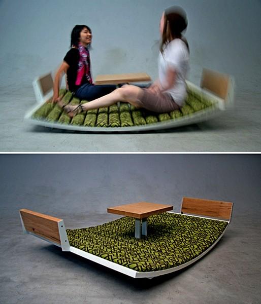 Кресло-качалка в виде лужайки для двоих