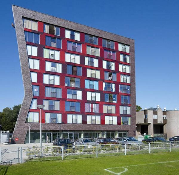 Скалодром на стене университета в Энсхеде