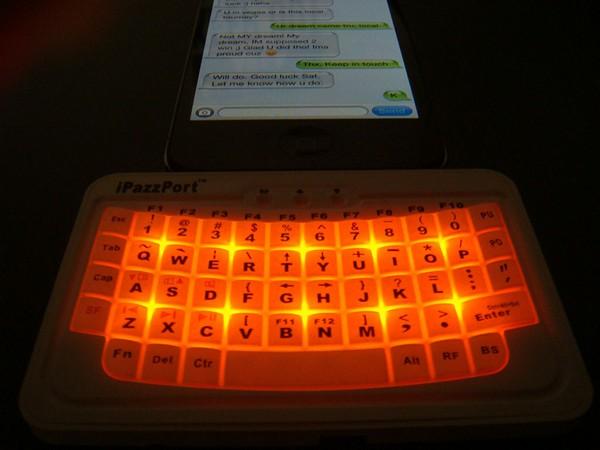 Bluetooth-клавиатура iPazzPort для iPhone и iPad