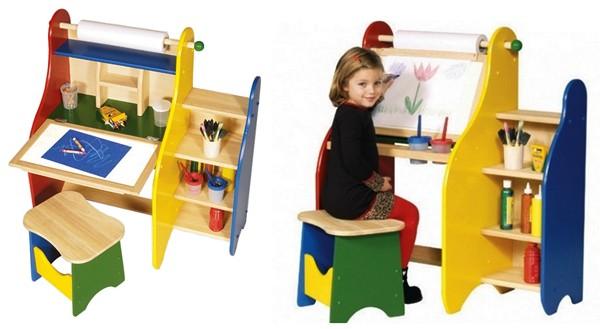 Детский столик, за котором удобно рисовать и учиться