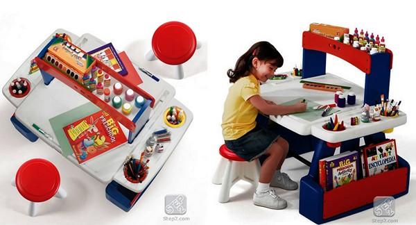 Детский столик для малышей, которые любят рисовать