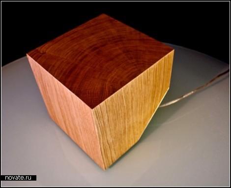 Деревянная лампа Cub Lamp