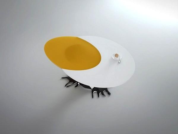 Концепт журнального столика в виде яйца