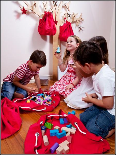 *Дерево*-вешалка Fruut Tree для детской комнаты
