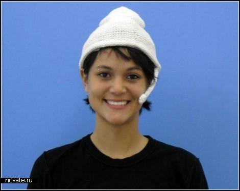 Happiness hat. Шляпа (сомнительного) счастья от Lauren McCarthy