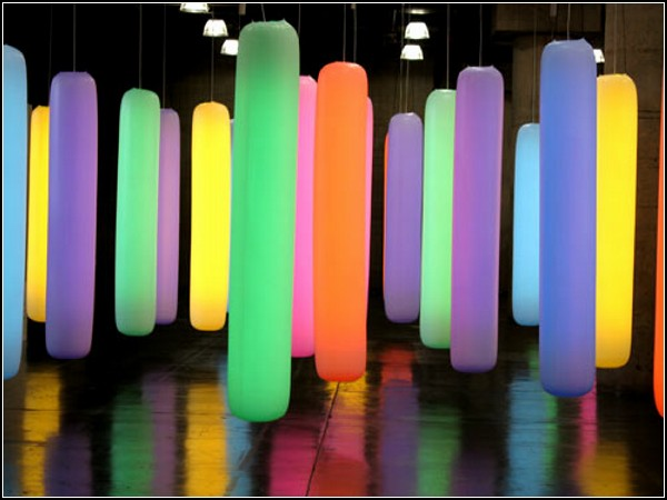 Разноцветные светящиеся *колбасы* от компании Supernova