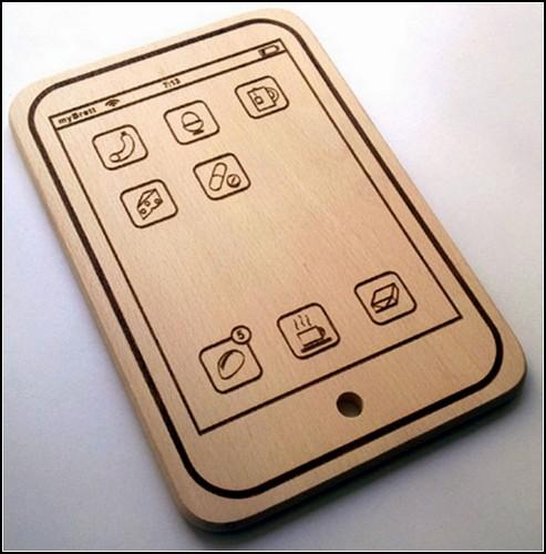 Деревянный iPhone для поваров. Прикольная iPhone Cutting Board