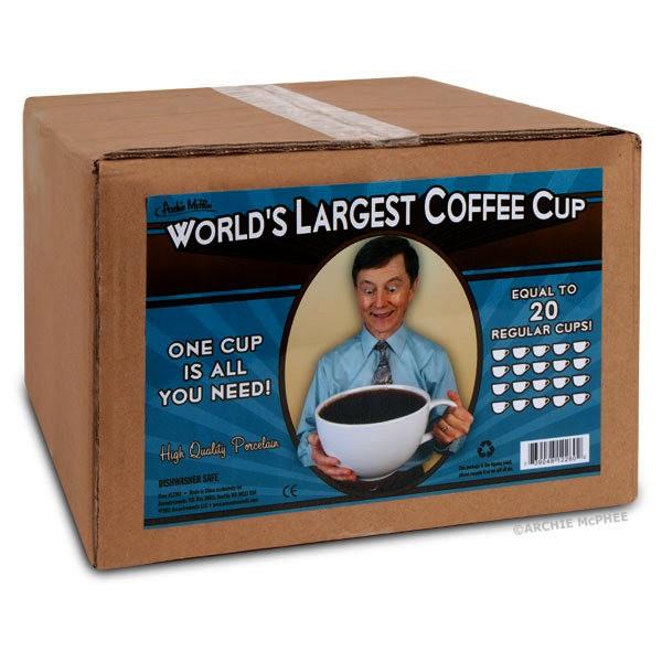 Огромная фарфоровая кружка World's Largest Coffee Cup для настоящих кофеманов