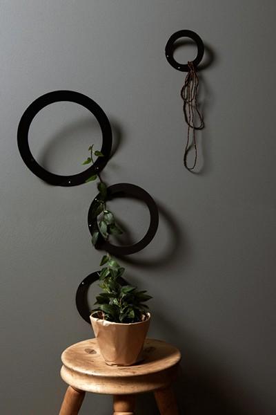Минималистичная система вешалок-*бубликов* The Leaf hanger