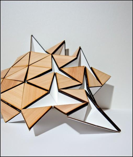 Складная лампа Miyo Lamp по мотивам японской культуры