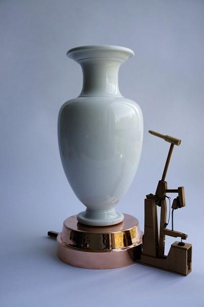 The Sevres vase clock, проект Джорджиоса Маридакиса (Georgios Maridakis)