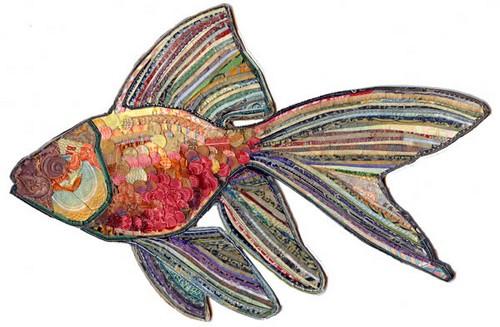 Золотая рыбка из бумажных купюр - идеальный символ богатства. Работа Кристофера Вайлда