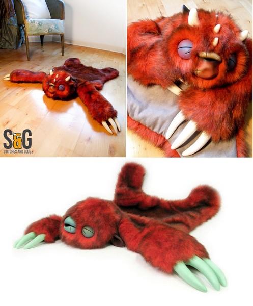 Шкура неведомой зверушки. Необычный ковер Monster skin rug