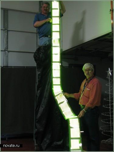 Новогодняя елка из OLED-панели