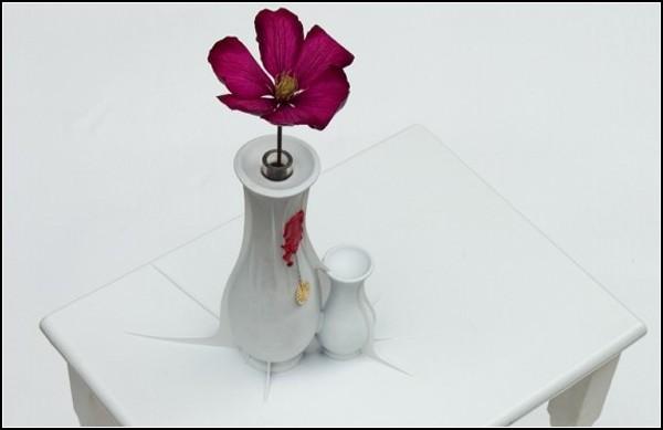 Стол-табуретка One со встроенными вазами
