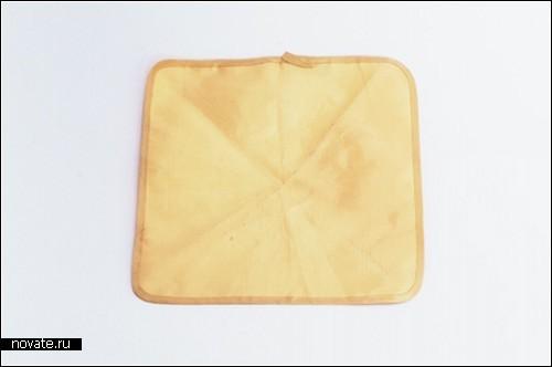 Это - не квадратный оладушек. Это - пуленепробиваемый платок