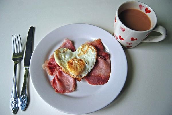 Романтической завтрак. Сделано с любовью