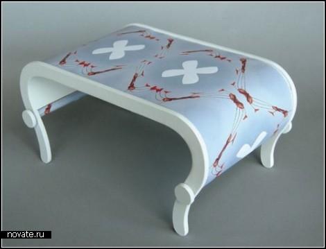 Transformation Table & Chair. Покрути ручку, чтобы сменить цвет