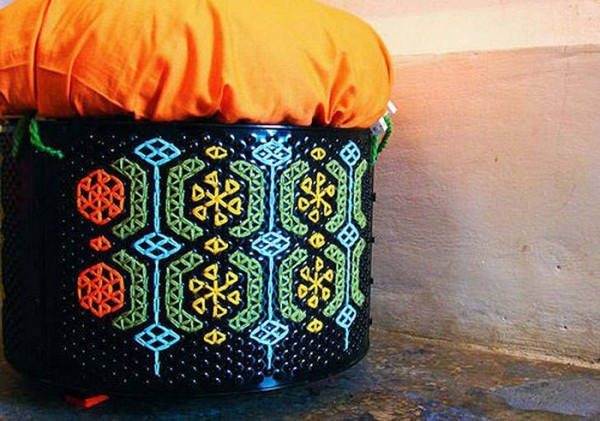 Пуфики Knit Knack. Редизайн барабанов от старых стиральных машин