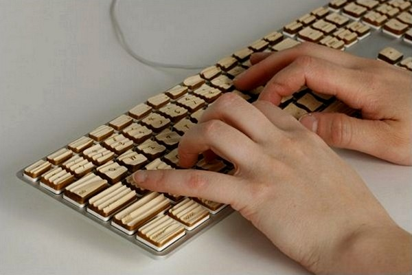 Концепт деревянной клавиатуры Engrain Tactile Keyboard