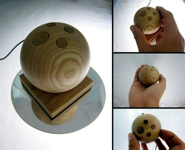 Сферическая компьютерная мышка из дерева