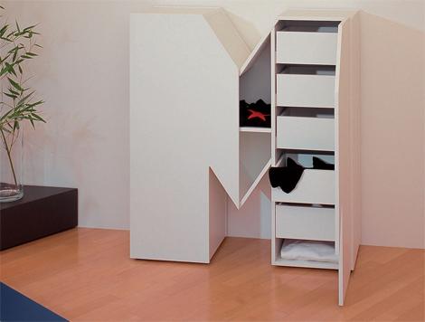 Мебель из гигантских букв