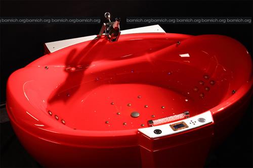Роскошная мультимедийная ванна Red Diamond bathtub