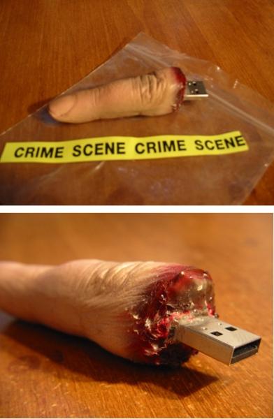 Отрубленный палец - флешка из фильмов ужасов