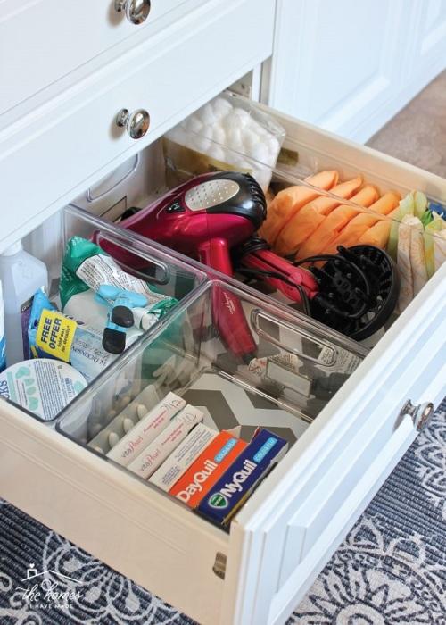 Многие лекарства нельзя хранить в условиях повышенной влажности. / Фото: Pinterest.ru