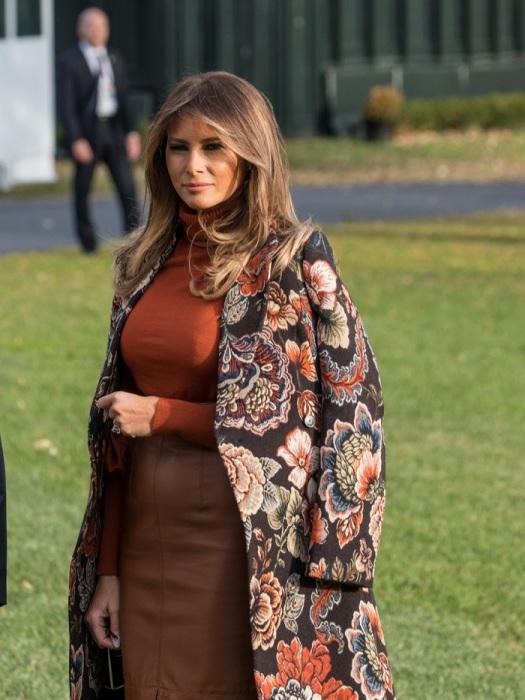 Пальто из жаккарда с ярким принтом смотрится очень выигрышно. / Фото: elle.ru