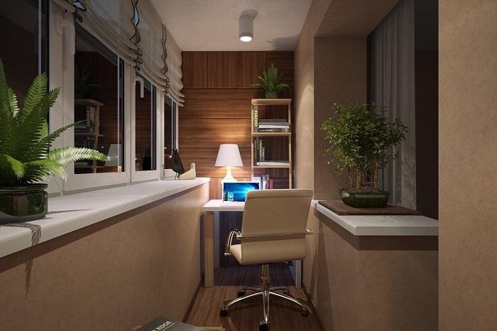 Кабинет на балконе обеспечит желанное уединение. / Фото: vannadecor.ru