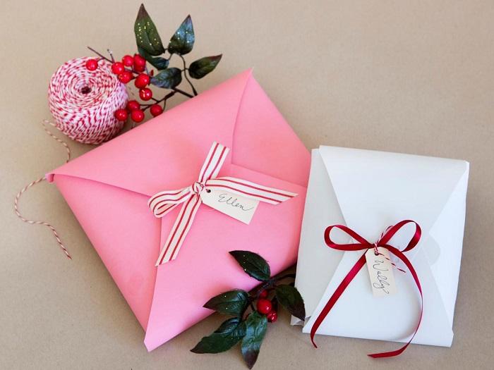 Упакуйте подарки своими руками. / Фото: vannadecor.ru