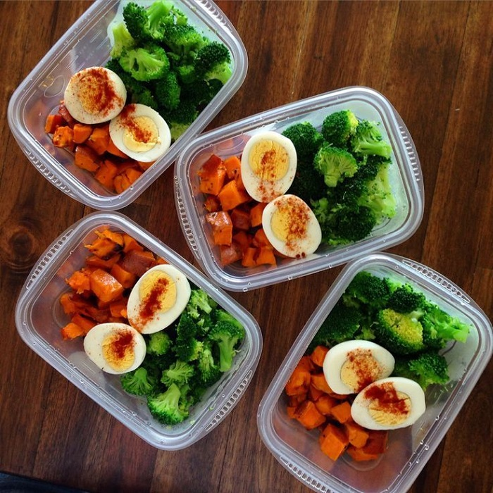 Еда в контейнерах поможет не переедать и кушать ровно столько, сколько нужно. / Фото: Pinterest.es