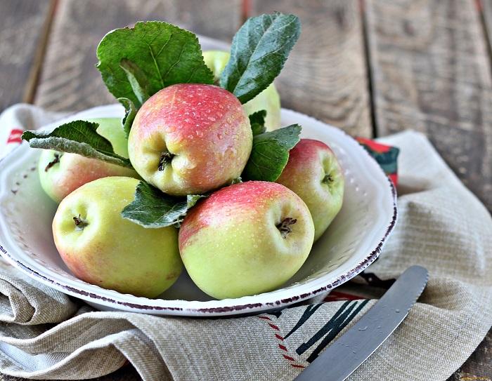 Яблоки усиливают аппетит. / Фото: artfile.ru