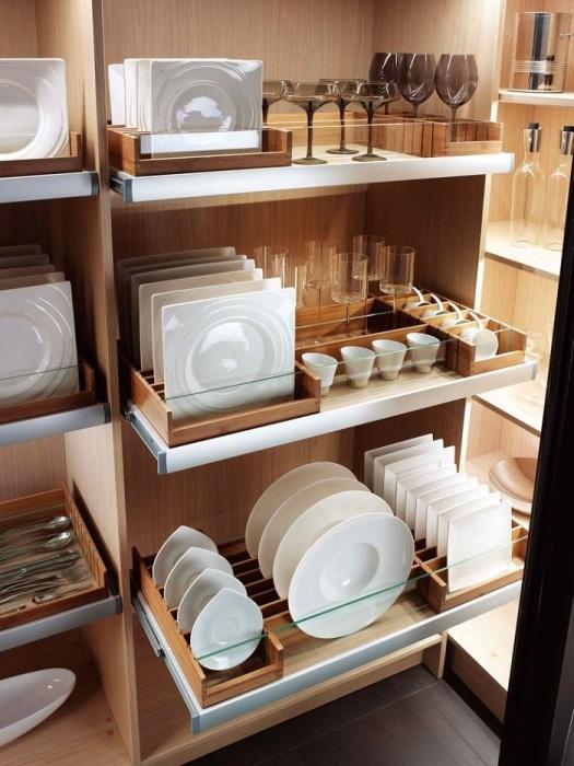 Купите специальные разделители для тарелок. / Фото: Pinterest.at
