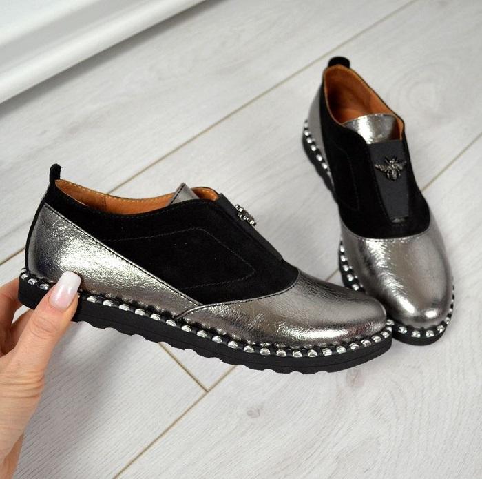 Сочетание нескольких материалов в одной паре обуви не всегда смотрится хорошо. / Фото: klubok.com