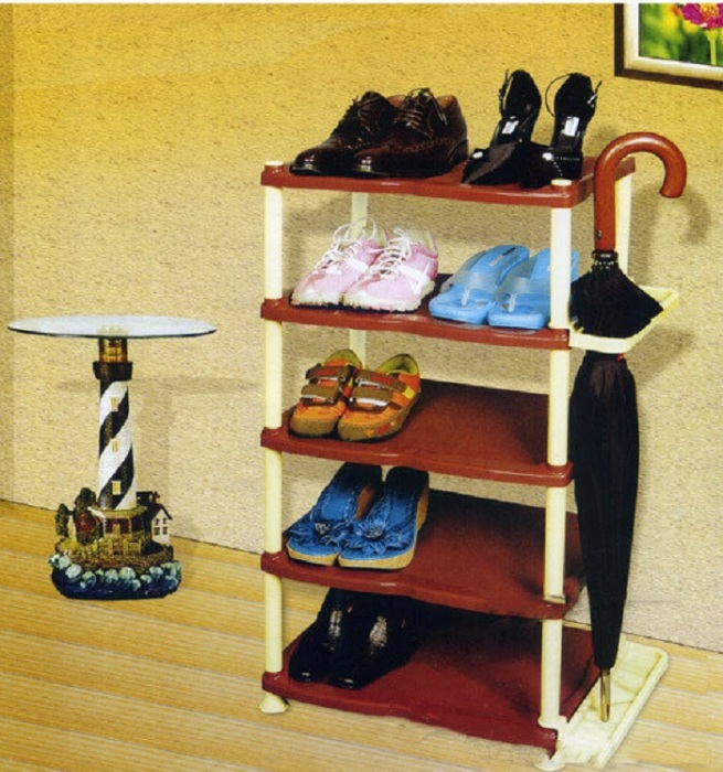 Пусть у каждого члена семьи будет своя полка. / Фото: klubok.com